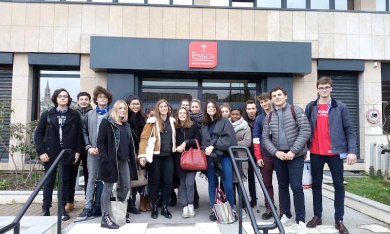 Des élèves de Bac STMG visitent l'ESSCA